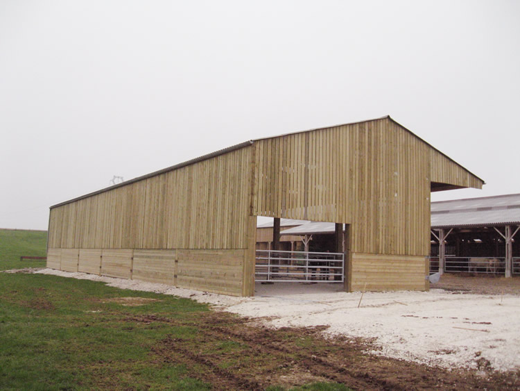 construction de b timents agricoles hangars logettes stockage agricole. Black Bedroom Furniture Sets. Home Design Ideas